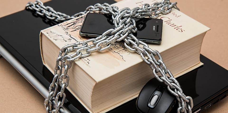 Narůstající cenzura je zoufalstvím projektu ovládnutí společnosti