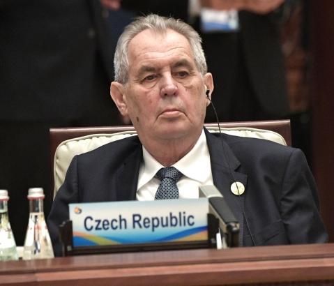 Prezident Zeman svolal zasedání Sněmovny na 8. listopadu