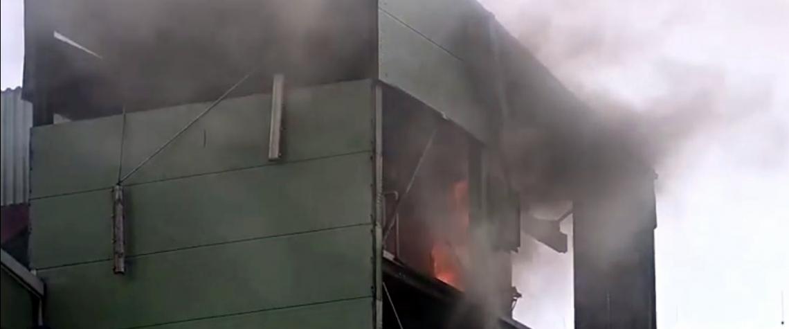 VIDEO: V Kolíně vybouchla elektrárna a začala hořet. Škoda za desítky milionů