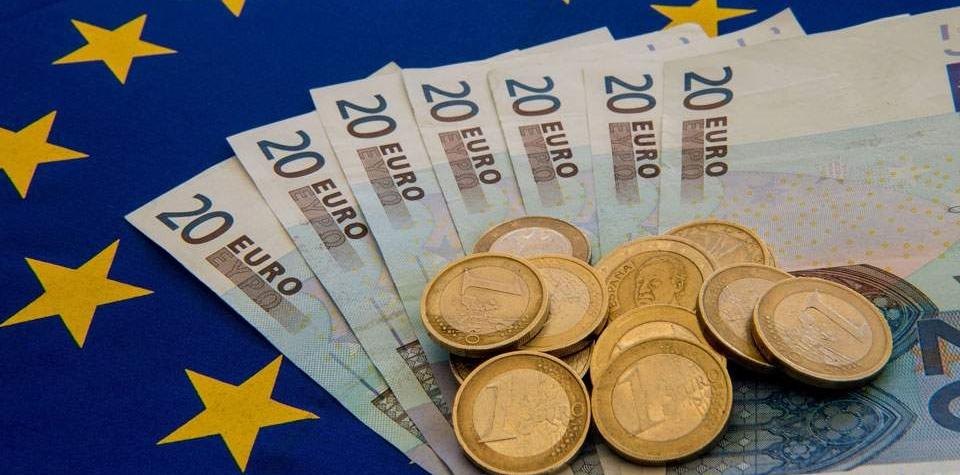 eurozona penize euro ceska republika vlada