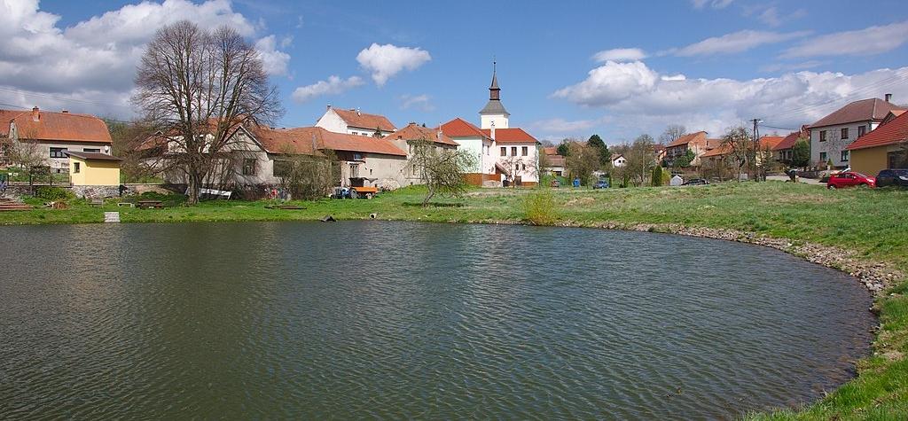 Vylidňuje se v Česku venkov a malé obce?