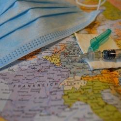 Vakcína jako indikátor evropské ne/akceschopnosti. Do posledního Evropana.