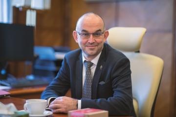Ministr Blatný: Ministerstvo zdravotnictví a Policie ČR podepsaly dohodu o součinnosti při kontrole dodržování karanténních opatření