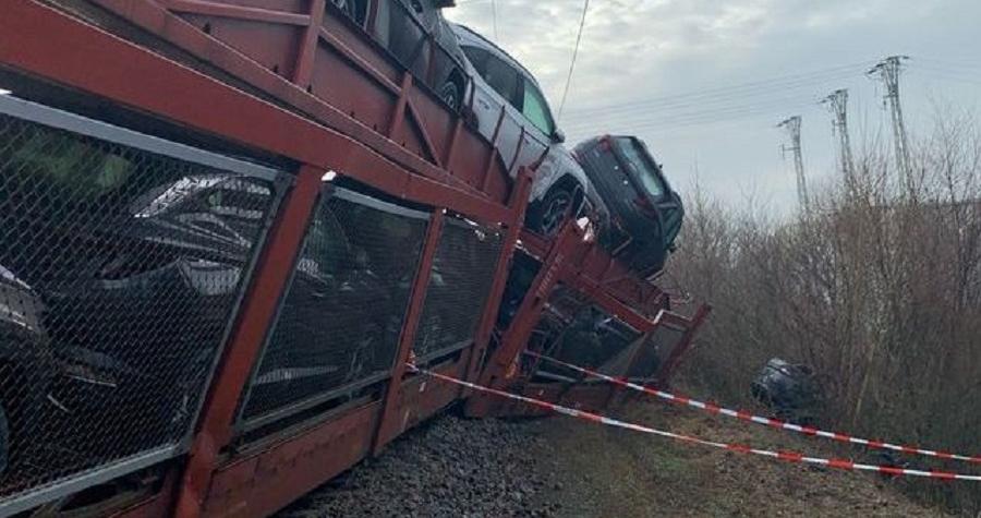 Srážka dvou vlaků. Škoda bude v řádu milionů korun