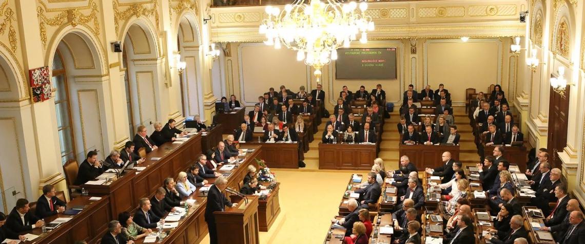 Kandidátní listiny pro sněmovní volby, Poslanci schválili zákon, Sněmovna, poslanci, parlament,