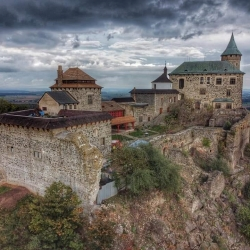 Hrady a zámky Česka - zřícenina hradu Kunětická hora