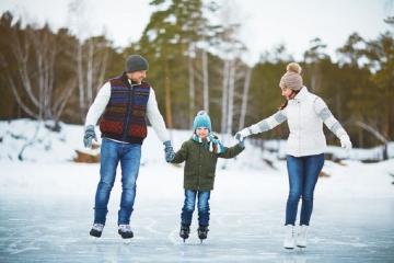 Pozor na zrádnost ledu. Zamrzlá radost v sobě ukrývá obrovské riziko