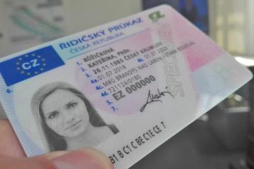 Platnost řidičáků a technických prohlídek je prodloužena