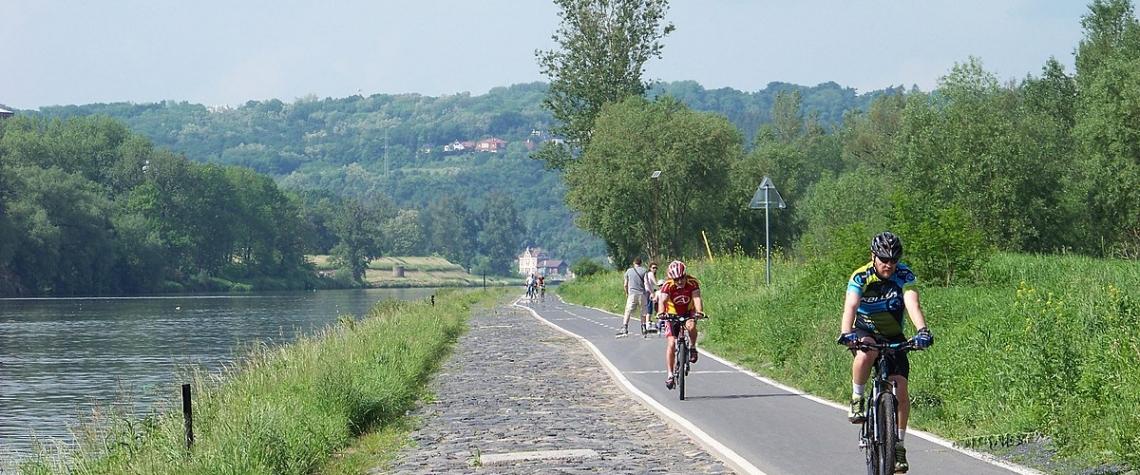 Přes 230 km nových cyklostezek z IROP zvýší bezpečnost cyklistů a dostupnost obcí