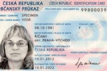 Sněmovna schválila nový typ občanských průkazů s biometrickými údaji