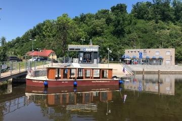 V přístavu Hluboká nad Vltavou lodě bezpečně natankují pohonné hmoty