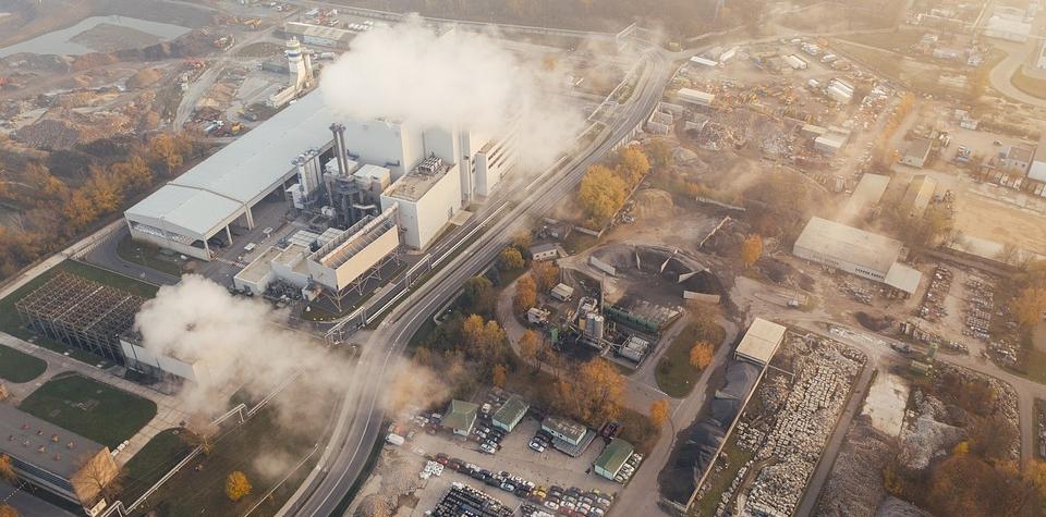 Průmysl šlápl na plyn