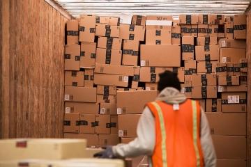 DPH u poštovních zásilek nízké hodnoty a celní prohlášení